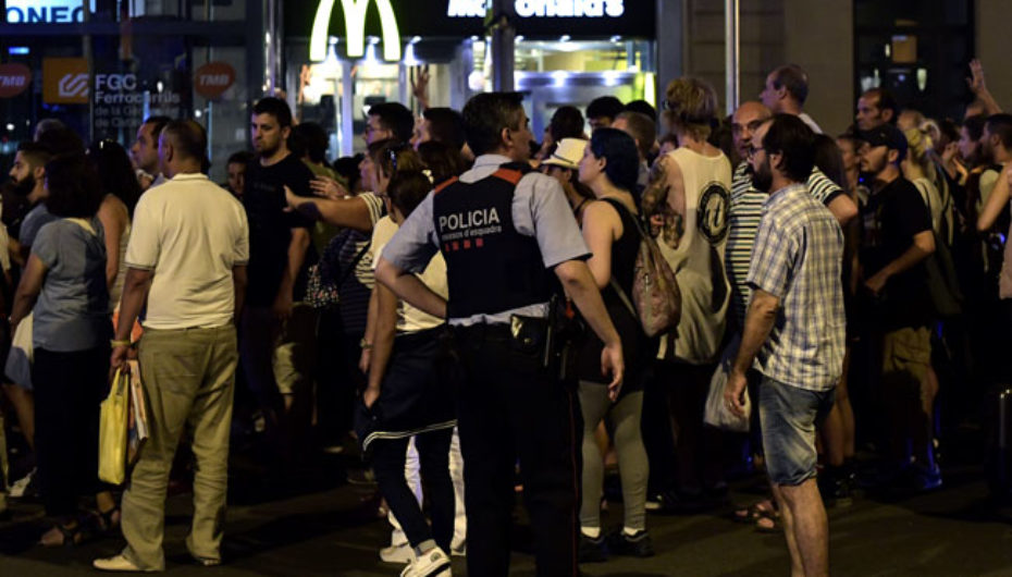 Terrorist shocks Barcelona and leave dozen dead and hundred injured